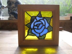 ステンドグラス 青い薔薇