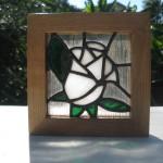 ステンドグラス 白薔薇 9㎝角 枠オーク材使用